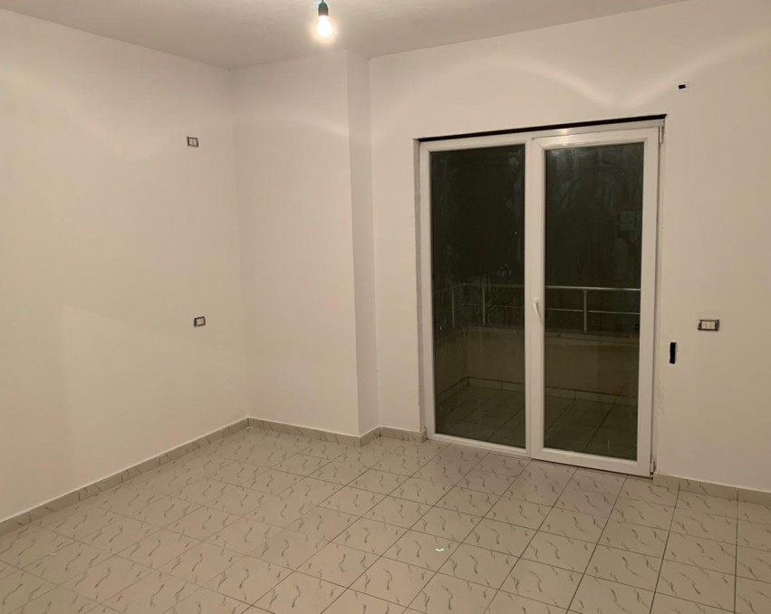 Apartament ne shitje