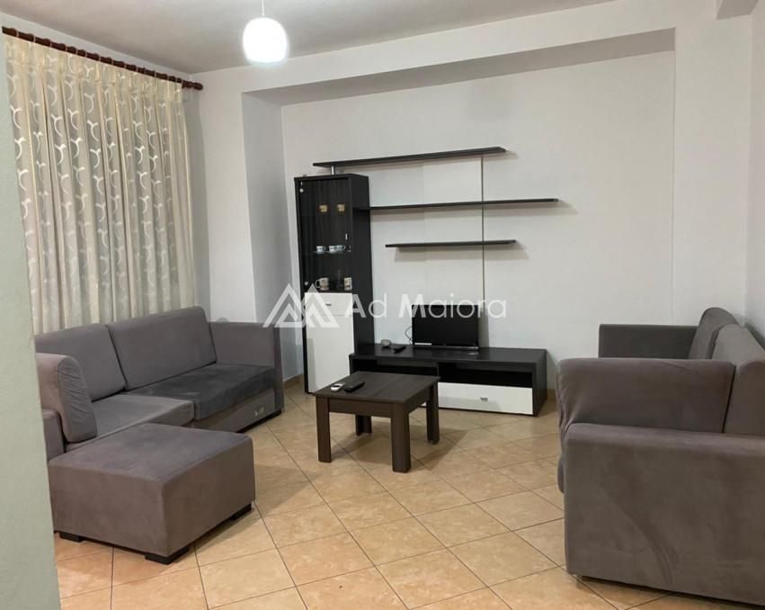 Shitet apartament 2+1 Plazh Durres